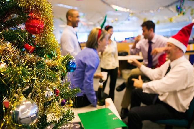 Cây thông Giáng Sinh văn phòng