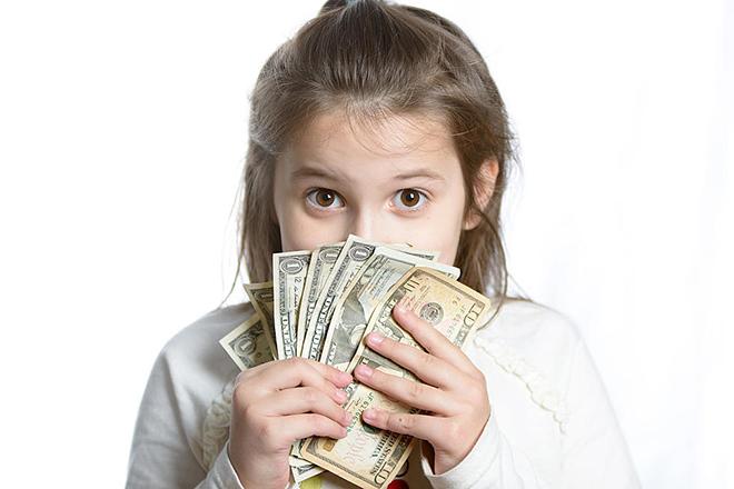 Giúp trẻ nhận thức được giá trị của đồng tiền