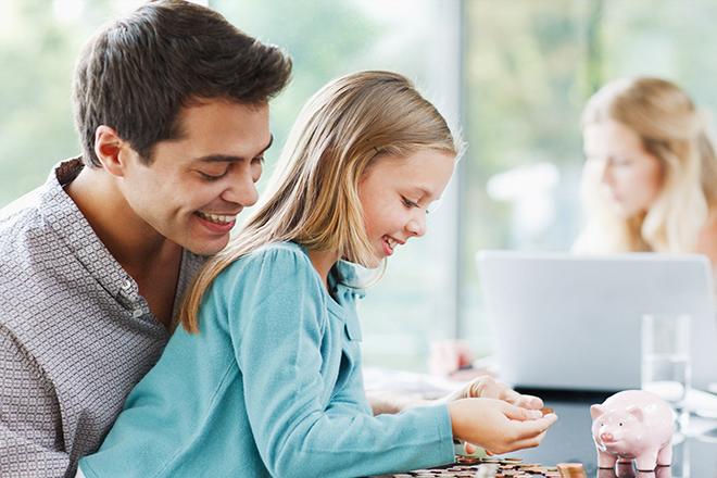 Khuyến khích trẻ tiết kiệm
