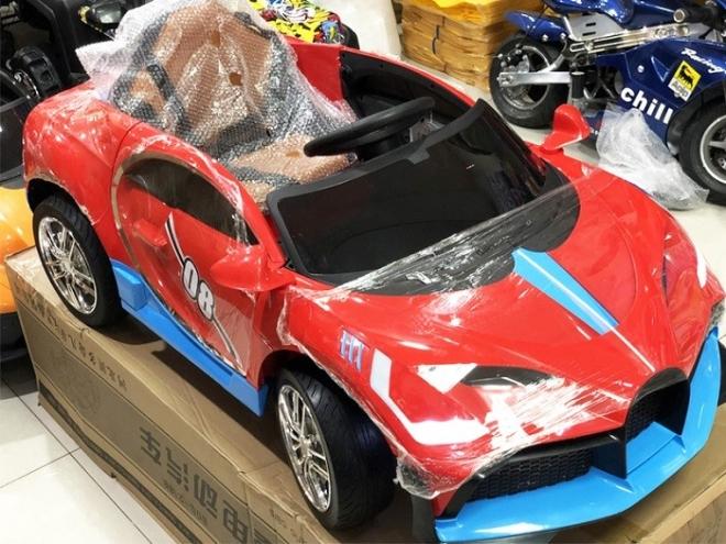 Xe hơi trẻ em chạy điện BDQ 2188