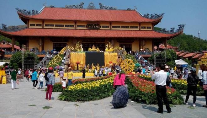 du lịch chùa