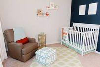 Phòng dễ thương cho bé gái 7 tháng tuổi với tông màu trắng