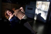 Xúc động mẹ đơn thân cùng con trai chống chọi với ung thư
