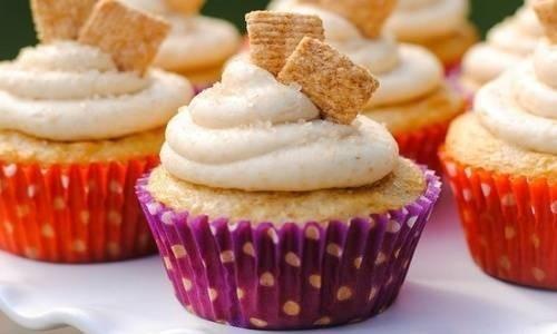 19816-6c10a9c6877e5af9cinnamon-toast-crunch-cupcakes.jpg