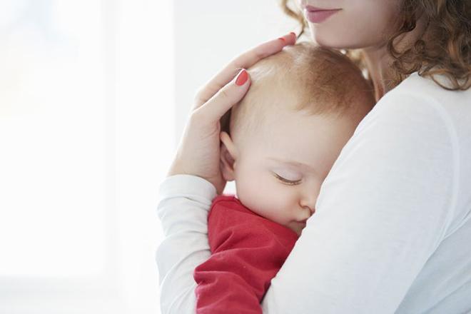 Cai sữa bé trước 1 tuổi