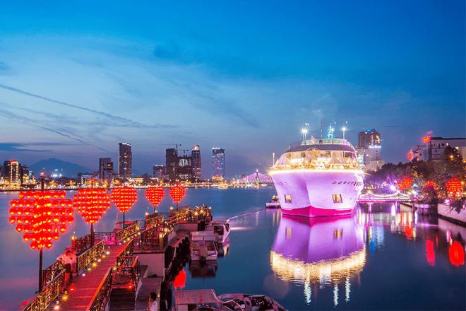 Những địa điểm xem pháo hoa ở Đà Nẵng như cầu Tình Yêu