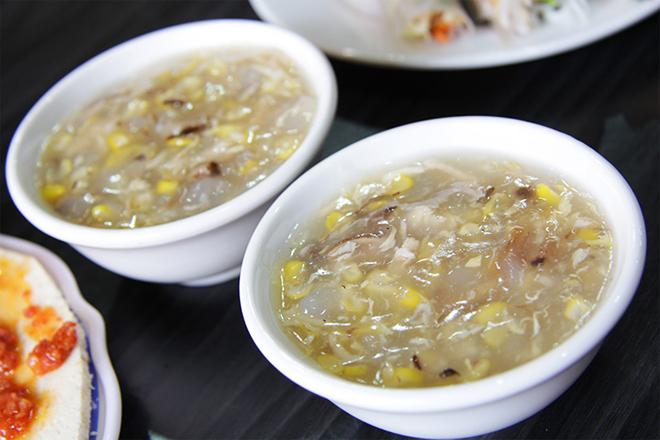 Món ăn ngày Tết cho bé trên 1 tuổi súp gà