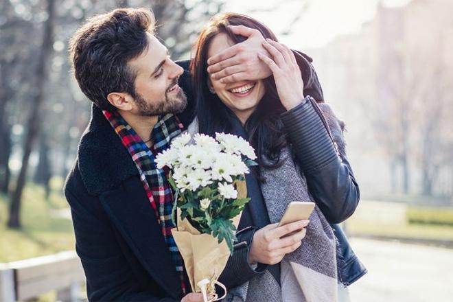 Hoa tặng Lễ tình nhân dưới sapo