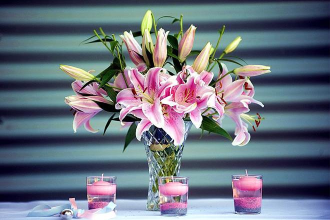 Hoa tặng Lễ tình nhân bách hợp