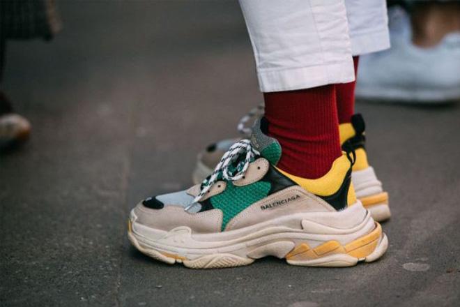 Tặng giày