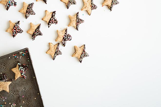 Bánh quý ngôi sao nhúng socola