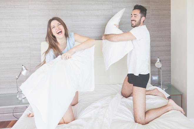 Vợ chồng vui vẻ