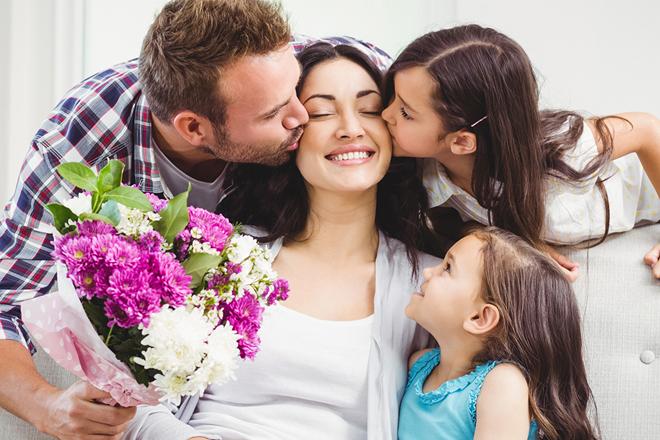 8 tháng 3 nên tặng gì cho mẹ quà