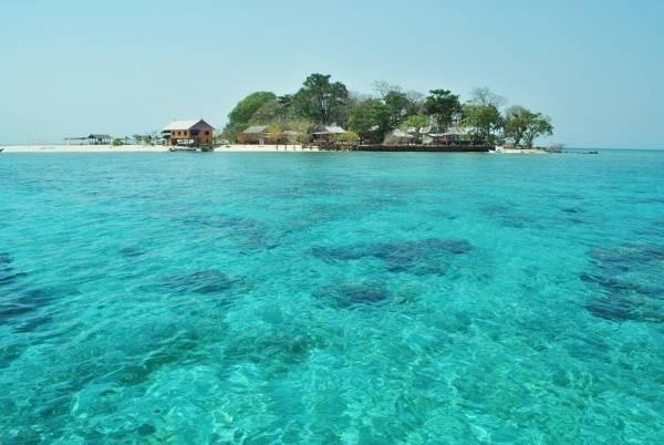 23187-bai-bien-kuta-lombok-tren-dao-gili.jpg