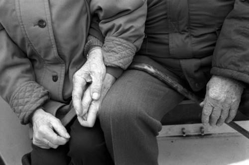 23968-holding-hand.jpg