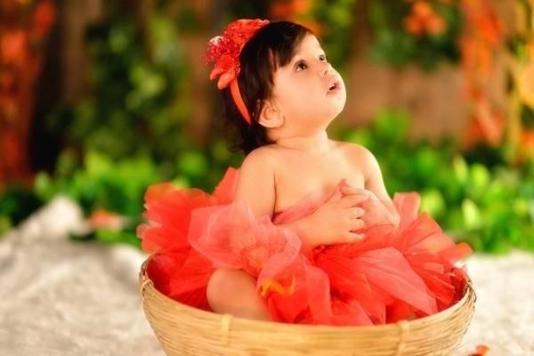 28759-cute-baby-girls-poster-hd-wallpapers.jpg