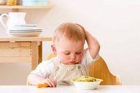 bé cai sữa xong có triệu chứng lười ăn thức ăn ngoài, bột, sữa,...