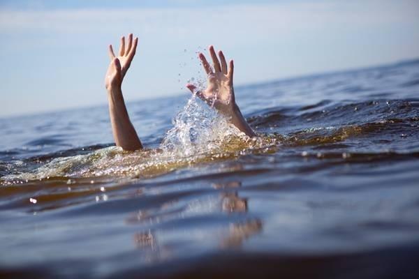 29911-drowning1-9595-1439260102.jpg
