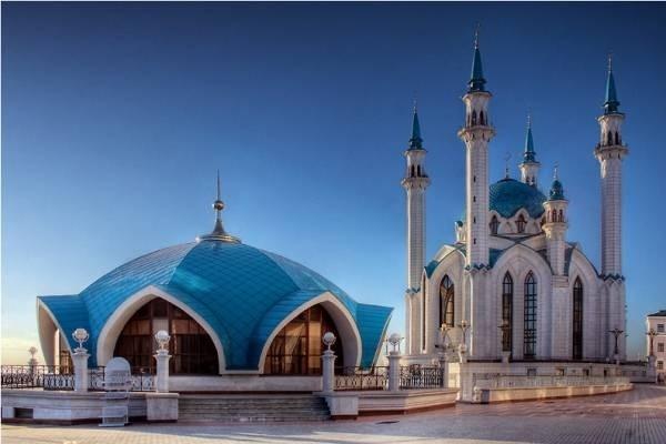 30379-dien-kazan-kremlin1.jpg