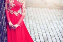 Gợi ý 10 kiểu tóc đẹp cho cô dâu mặc áo dài