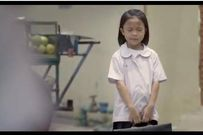 Clip: Hãy dạy trẻ bằng hành động, không phải bằng lời nói