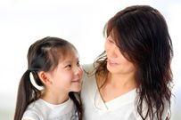 Ba mẹ siêng trò chuyện sẽ giúp con diễn đạt ngôn ngữ tốt hơn