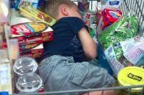 Chết cười với chùm ảnh trẻ con theo mẹ đi mua sắm