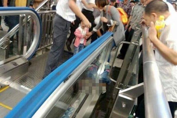 35427-escalator-2815-1444354101.jpg