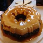 Hướng dẫn chi tiết cách làm bánh bông lan flan chocolate