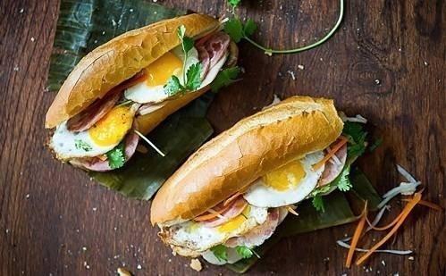 36804-breakfast-sandwich-6-9698-1445851546.jpg