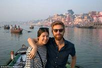 Cặp vợ chồng có tuần trăng mật kéo dài một năm