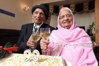 Cặp vợ chồng già nhất thế giới kỷ niệm 90 năm ngày cưới