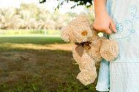 Cô bé 5 tuổi cứu hôn nhân của bố mẹ bên vực thẳm