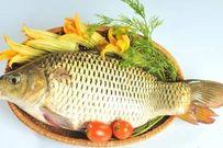 Mẹ bầu ăn cá chép sẽ sinh con môi đỏ, da trắng?