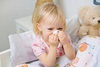 Trẻ có thể bị viêm xoang hoặc điếc nếu xì mũi sai cách