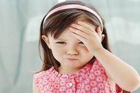 Khi trẻ đau đầu thường xuyên mẹ hãy nghĩ đến u não, viêm màng não