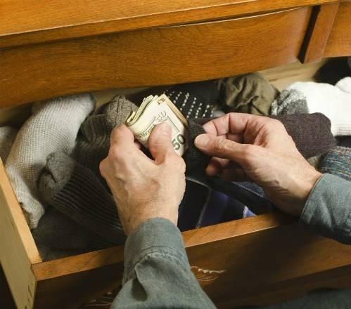42884-hide-money-9382-1453546964.jpg