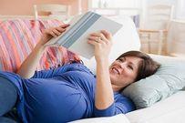 Cách đọc truyện dành cho thai nhi giúp con phát triển não bộ vượt trội