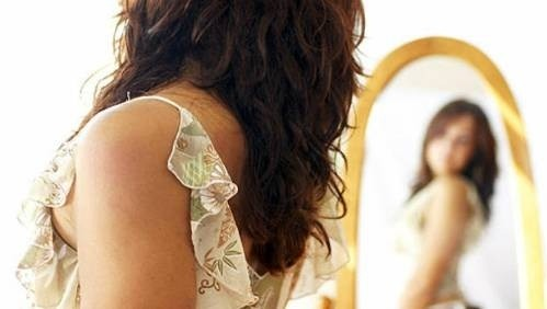 44981-woman-mirror-4-2494-1456621605.jpg