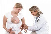 Cách chăm sóc trẻ tiêm phòng bị sốt nhanh hồi phục
