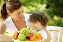 5 kiểu cho trẻ ăn hoa quả