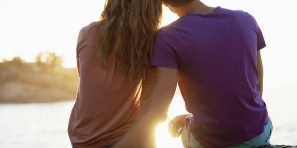 5664-20140628-1057-o-couple-in-love-facebook.jpg