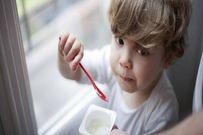 5 lợi ích tuyệt vời khi cho trẻ ăn sữa chua
