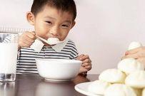 Các tuyệt chiêu giúp bé nhanh biết nhai cơm tránh ảnh hưởng dạ dày