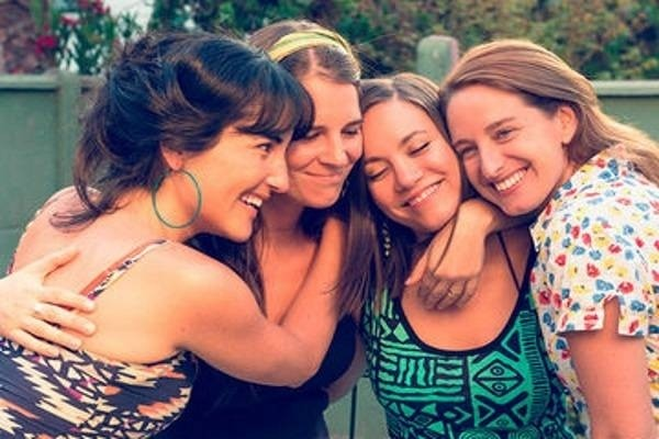 51015-friends-hugging-shutterstock167444873-700x.jpg