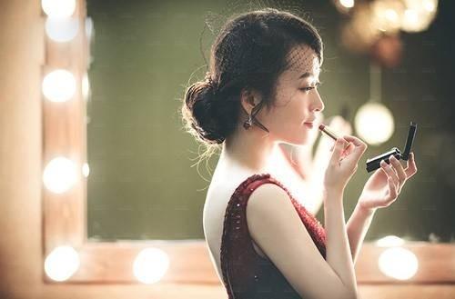 51313-dan-ba-khon.jpg