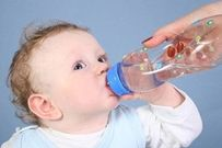 Cách hay trị dứt điểm tình trạng biếng ăn ở trẻ mùa nắng nóng
