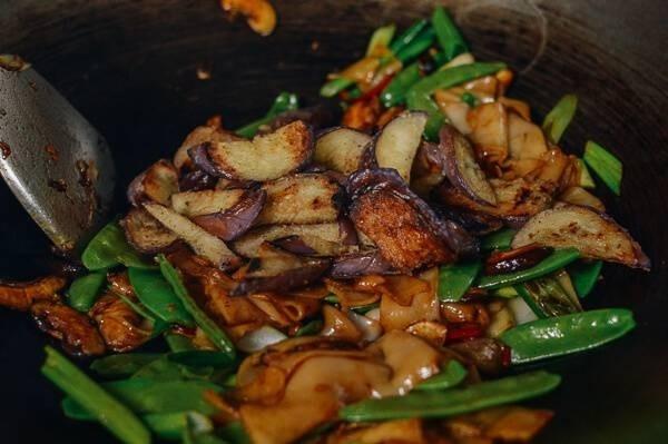 51561-vegetable-chow-fun-6.jpg