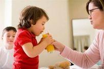Mẹ đã biết cho trẻ uống nước trái cây đúng cách?