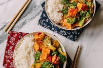 5 phút có ngay món chay đậu non xào bông cải ngon, bổ, rẻ